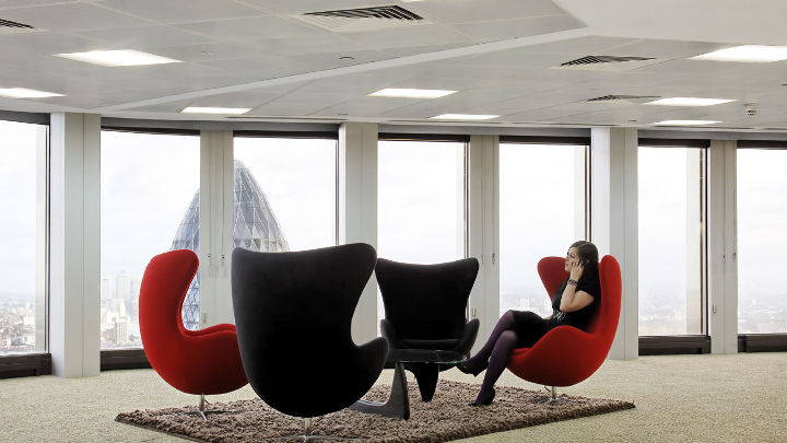 Break out area in tower 42 illuminated by Philips Lighting