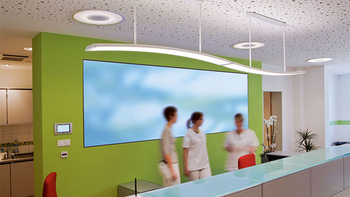 Modern luminaires illuminate the reception at Greifswald Radiology