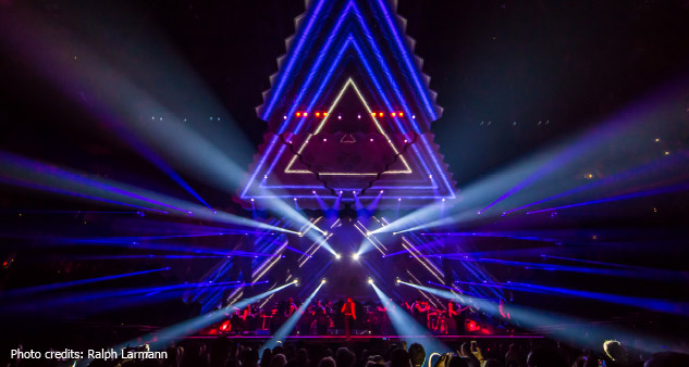/content/dam/b2b-li/en_AA/products/special-lighting/entertainment/onstage/hall-of-fame/justin-timberlNick-Whitehouse-interview-Justin-Timberlake-20-20-experience_beam-effects