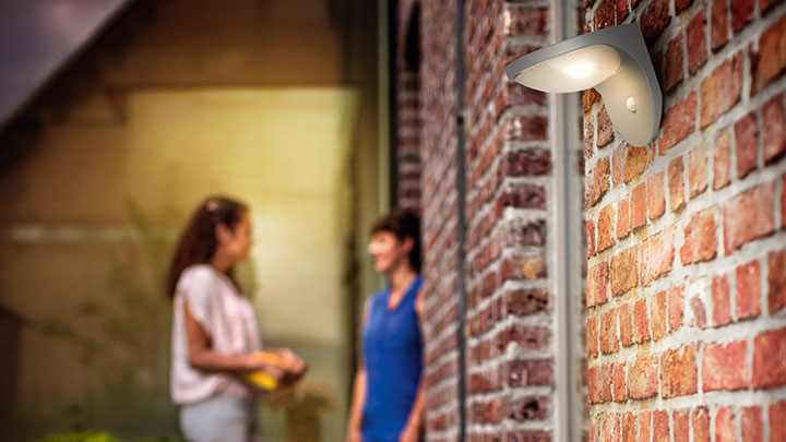 Philips Solar garden lights are designed with high quality solar panels and LED lights to maximize sunlight collection for light that lasts longer.